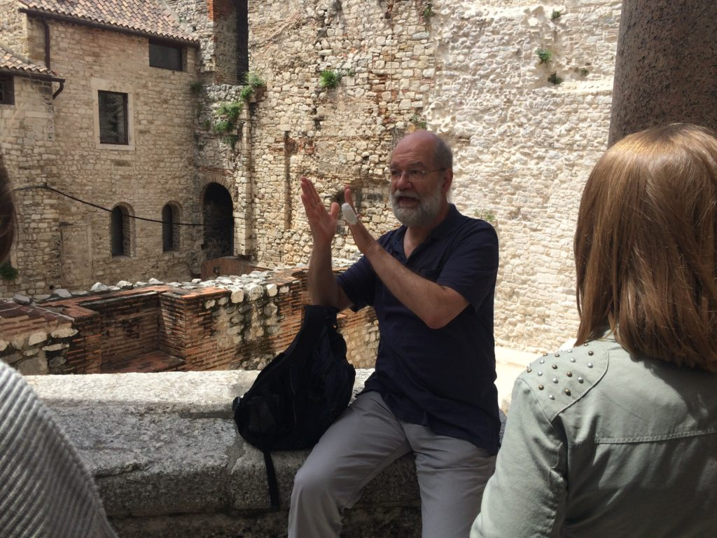 Goran Nikšić, during the walking tour through the Diocletian's palace (photo A.Š.)
